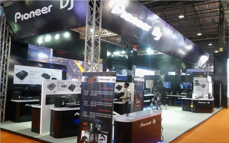 pioneer booth design